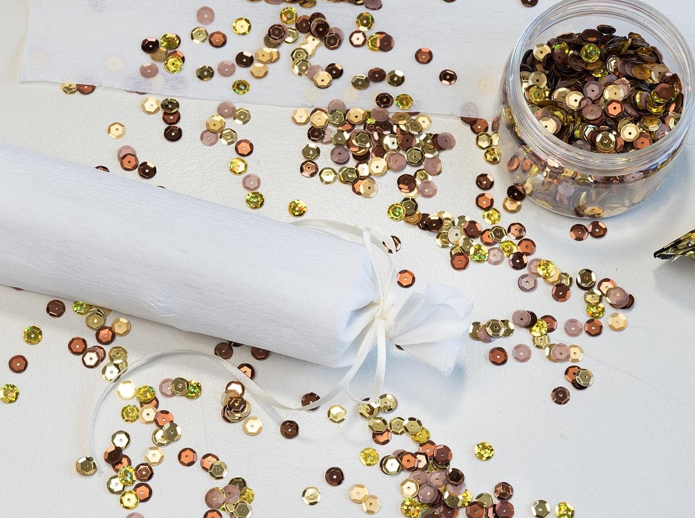 silvesterdeko-partyhut-und-knallbonbons 12k-min