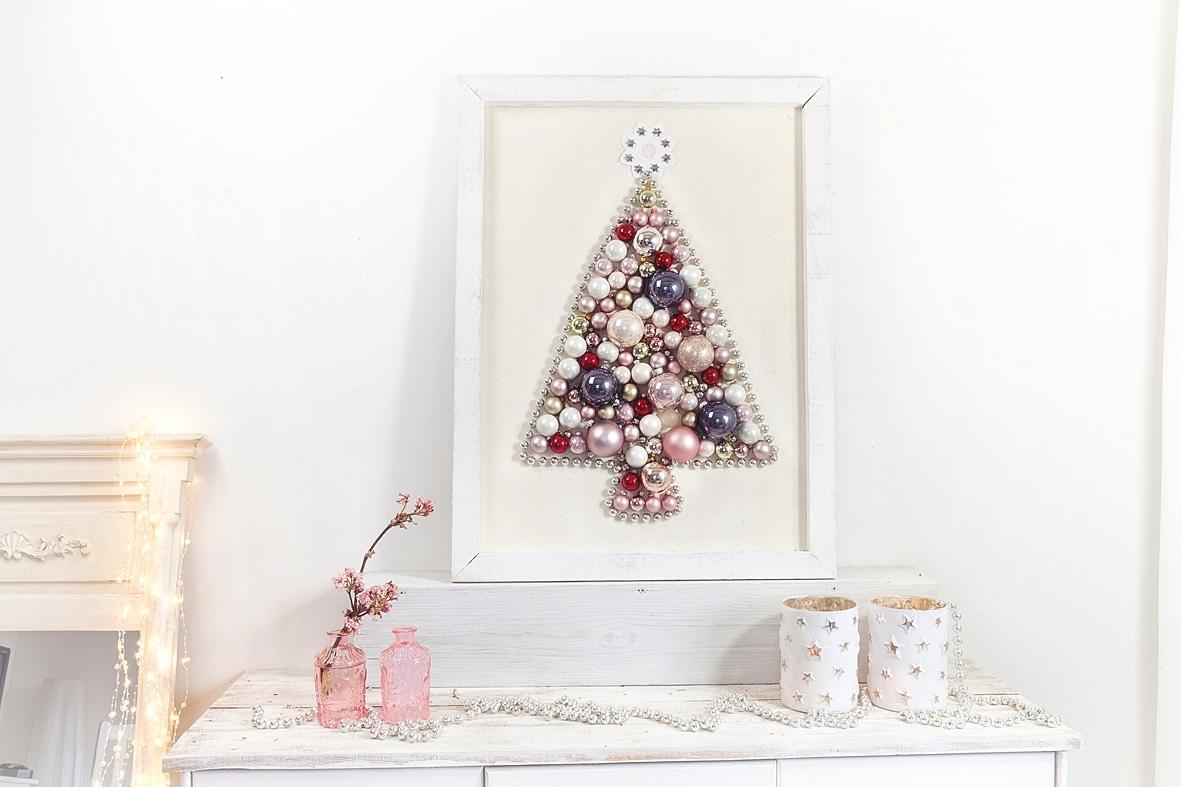 weihnachtsbaum-aus-weihnachtskugeln-selber-machen 10k-min