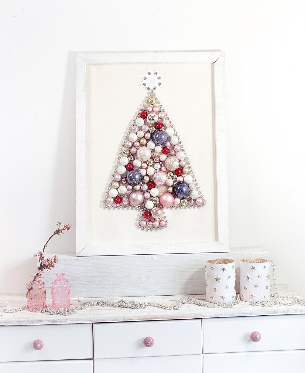 weihnachtsbaum-aus-weihnachtskugeln-selber-machen 13k-min