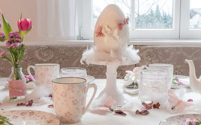 fruehlingskaffeetisch-in-sanften-rosatoenen 3 kv-min