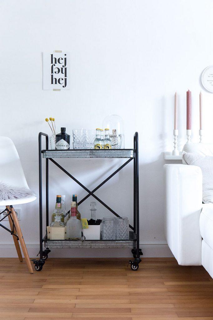 trend-barwagen-im-wohnzimmer