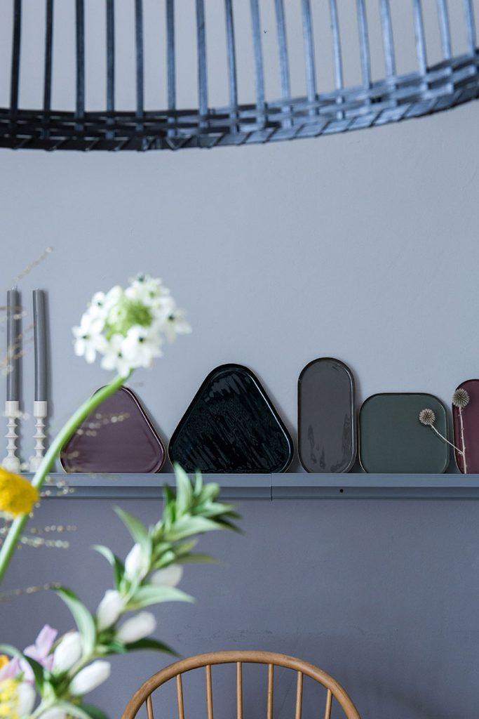 dekotabletts-als-dekoration-im-esszimmer