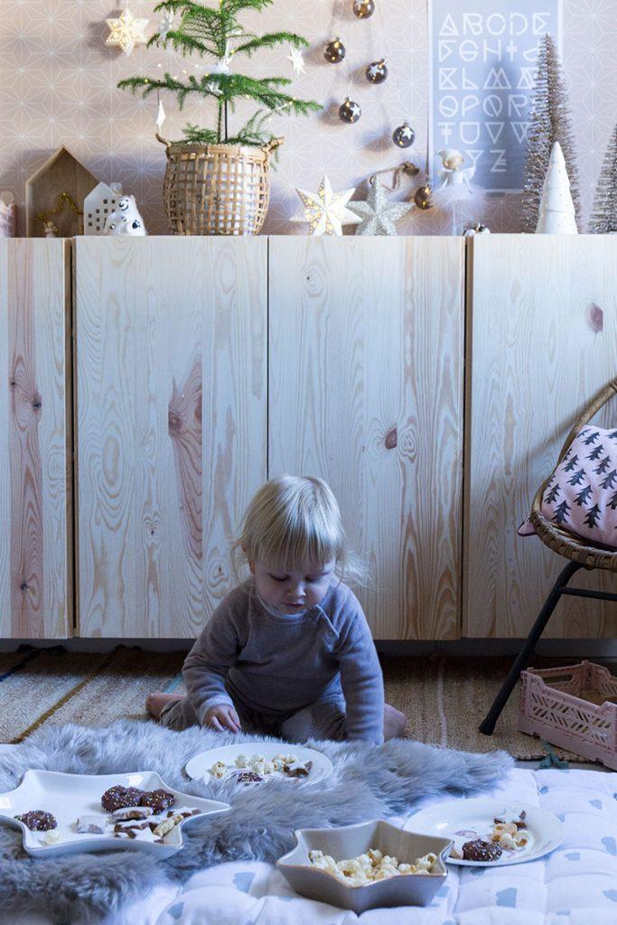 weihnachtliches-picknick-im-kinderzimmer