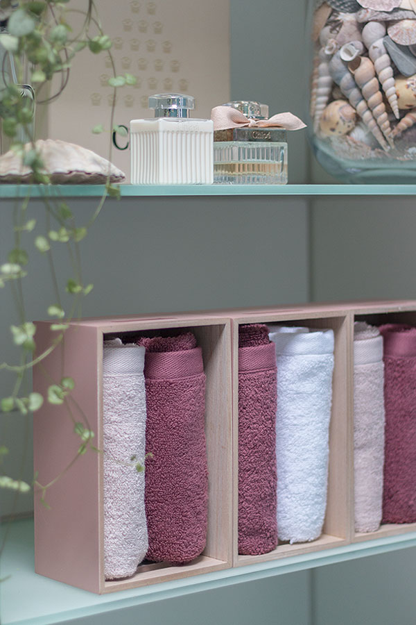 Handtücher im Bad verstauen