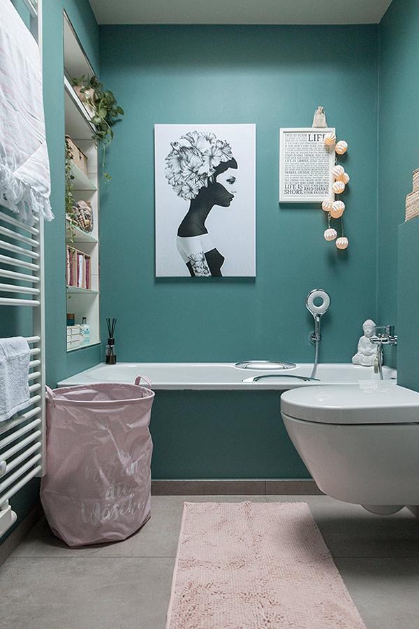 frühlingshaftes Bad in türkis und rosa