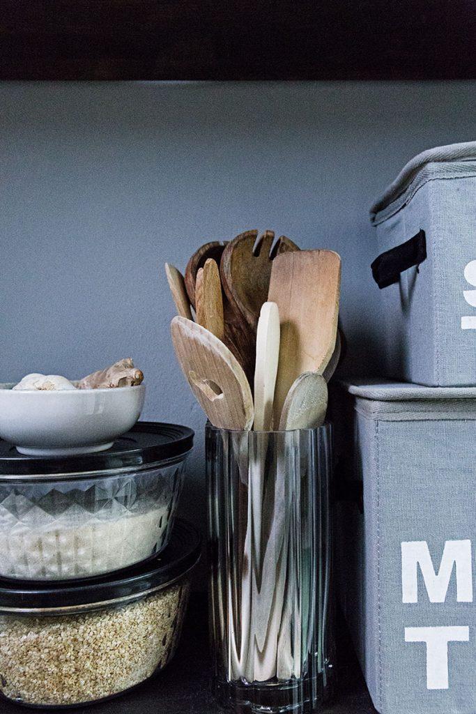 vase-zur-aufbewahrung-von-kochlöffeln