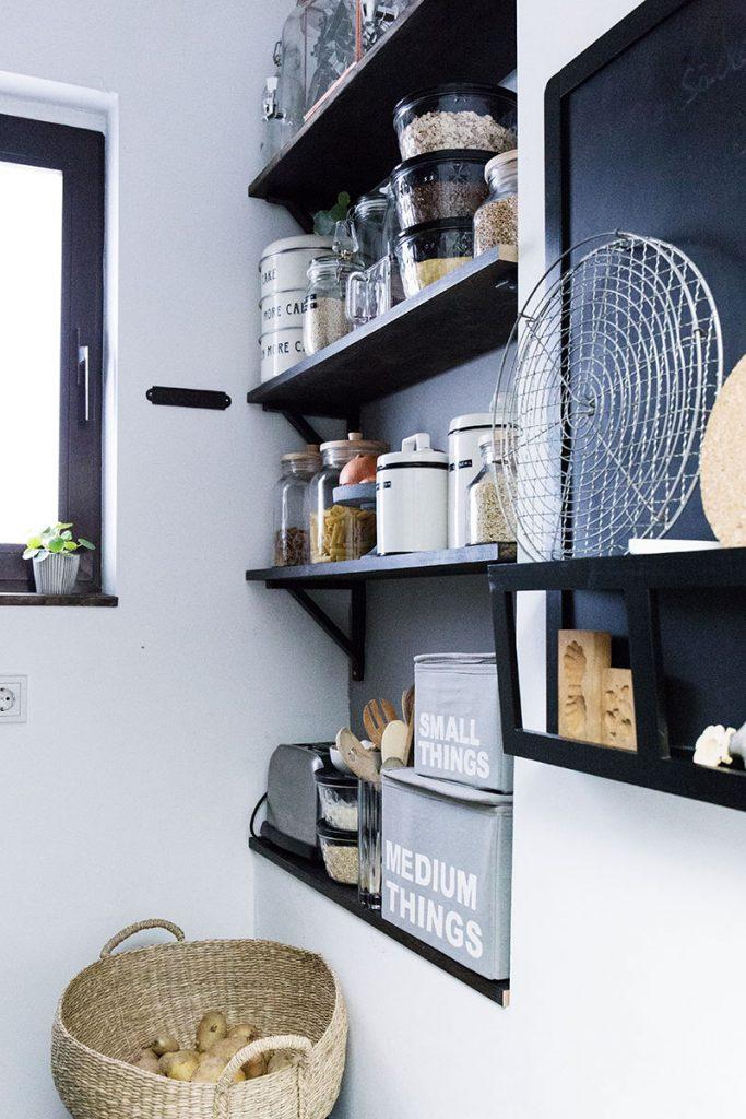 vorratskammer-und-küche-aufräumen-beim-frühjahrsputz