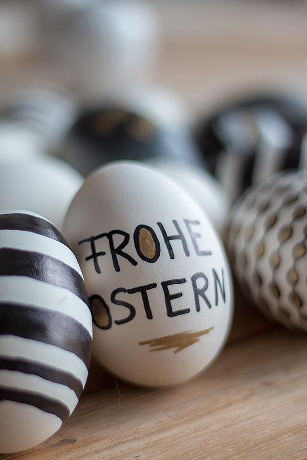 """Ostereier beschriften mit """"Frohe Ostern"""""""