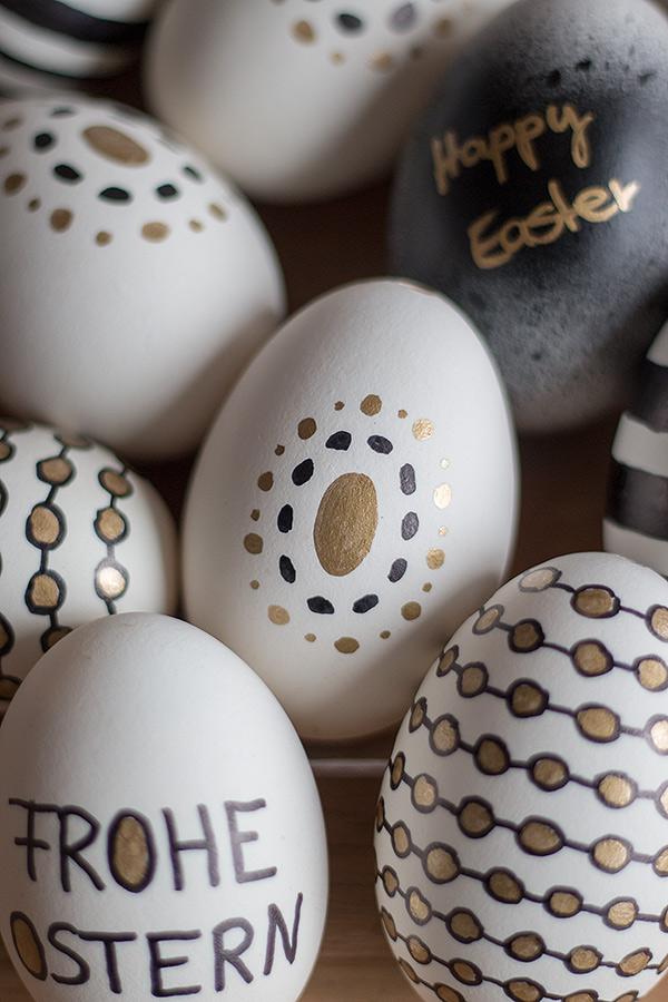Ostereier gestalten mit Permanent Markern in Schwarz, Weiß, Gold