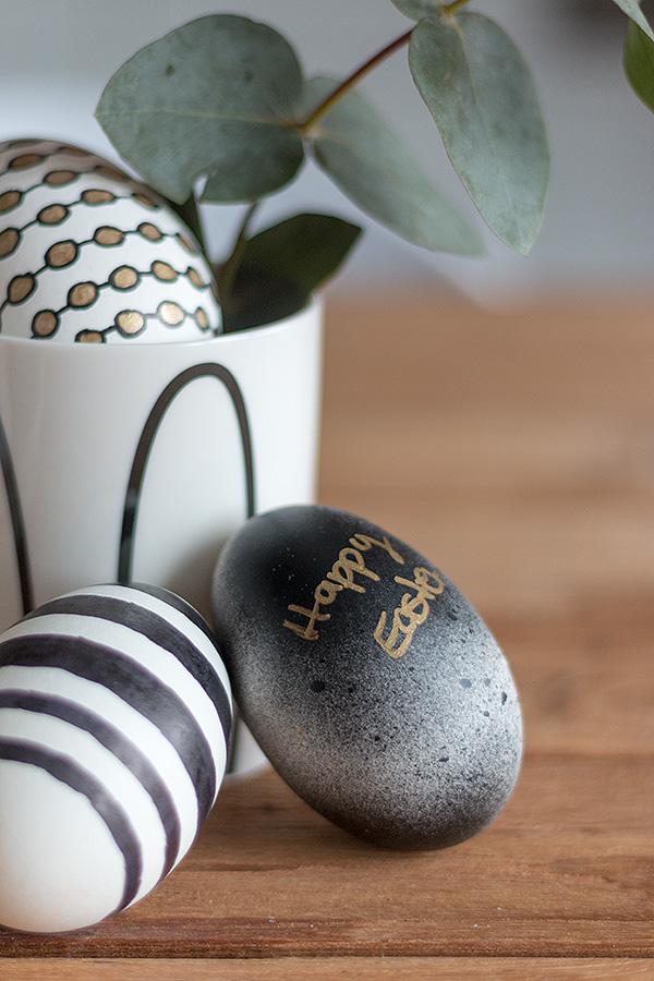 Ostereier gestalten mit Permanent Marker und Acryllack