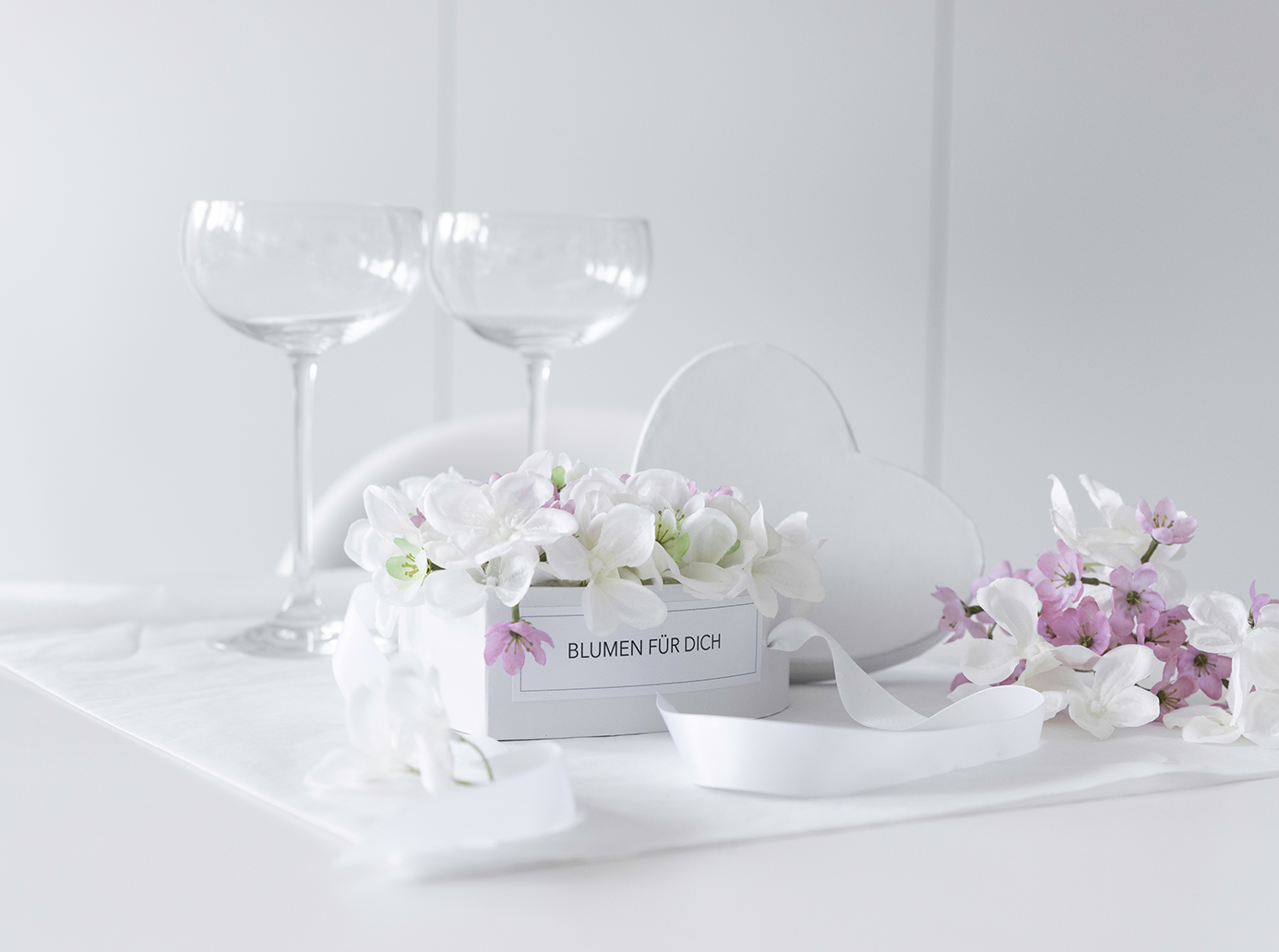 DIY Flowerbox - eine Herzschachtel als Hochzeitsgeschenk!