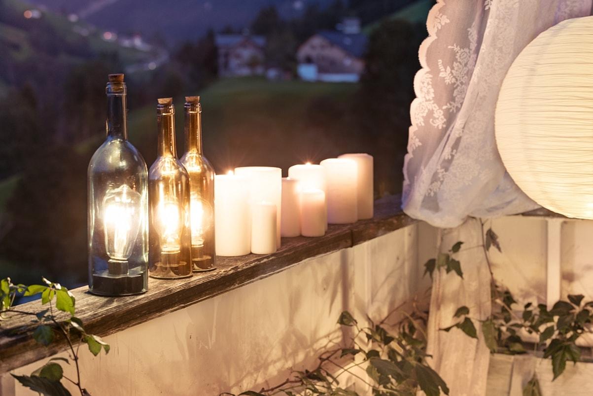 Originelle Lichtobjekte als Eyecatcher für Balkon oder Terrasse.