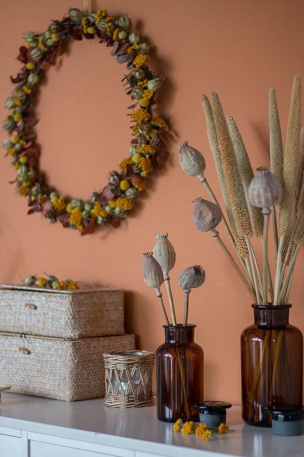 Dekorieren mit DIY Kranz aus Trockenblumen