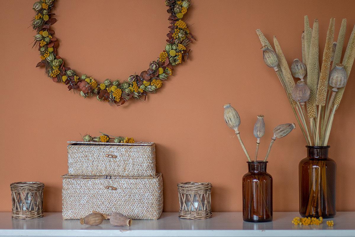 Trockenblumenkranz binden und dekorieren