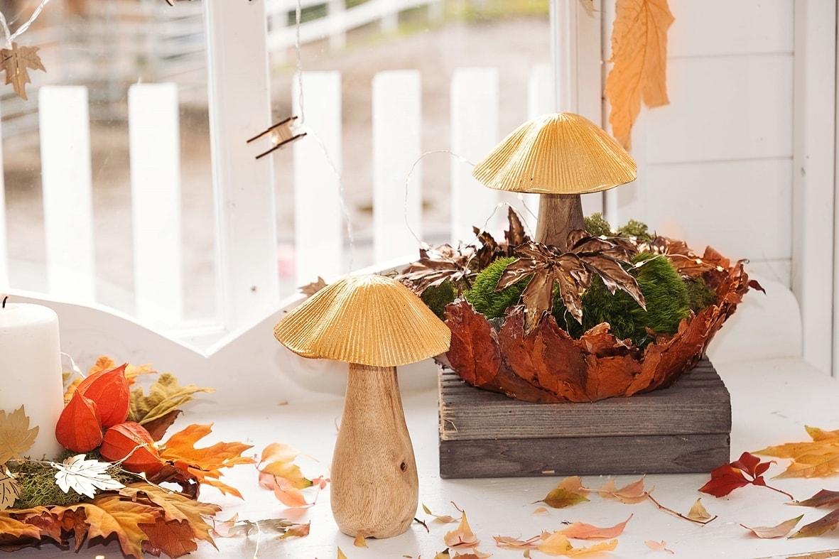Herbstdeko mit goldenen Akzente.
