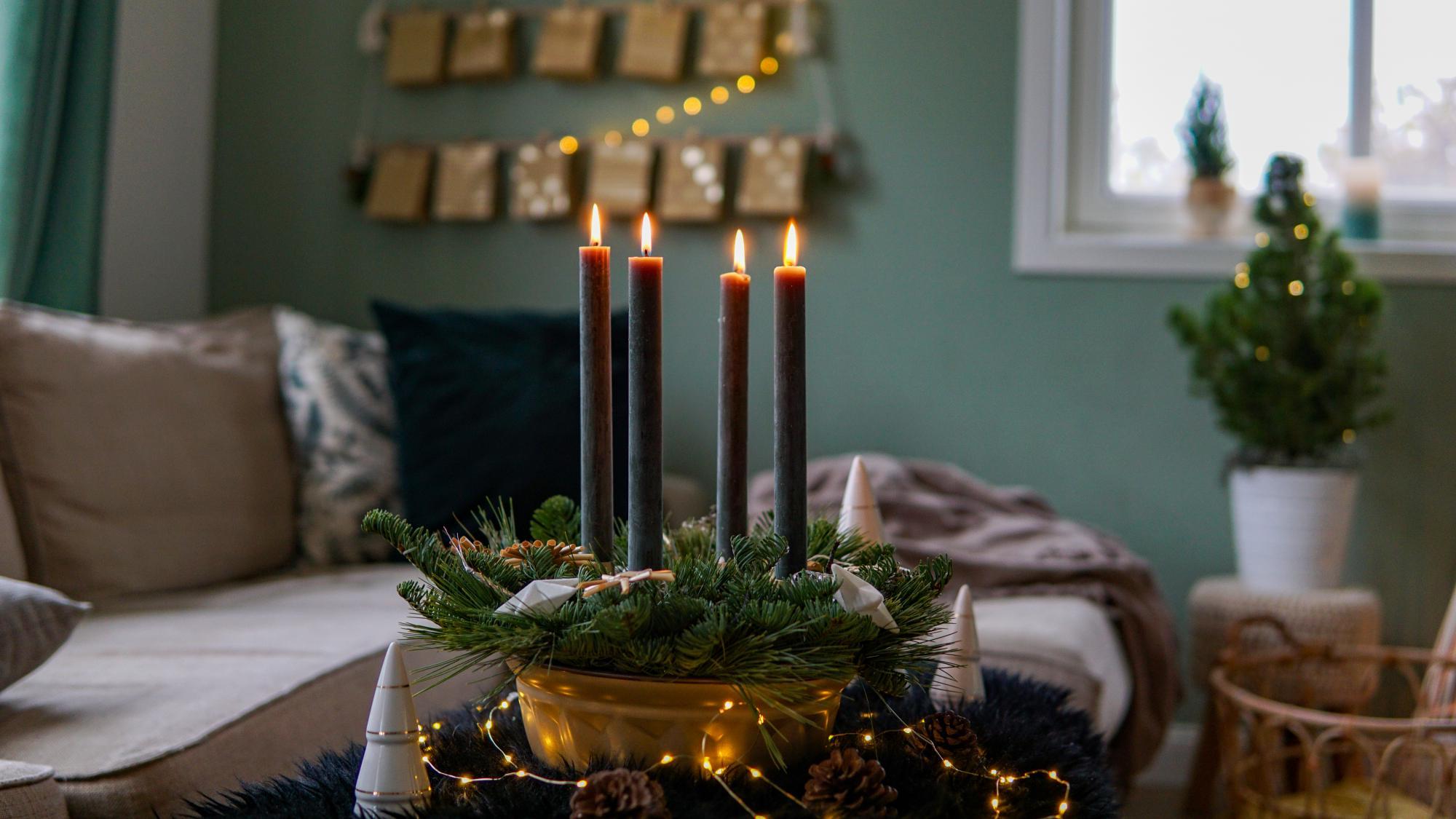 upcycling adventskranz selber machen in einer backform. Black Bedroom Furniture Sets. Home Design Ideas