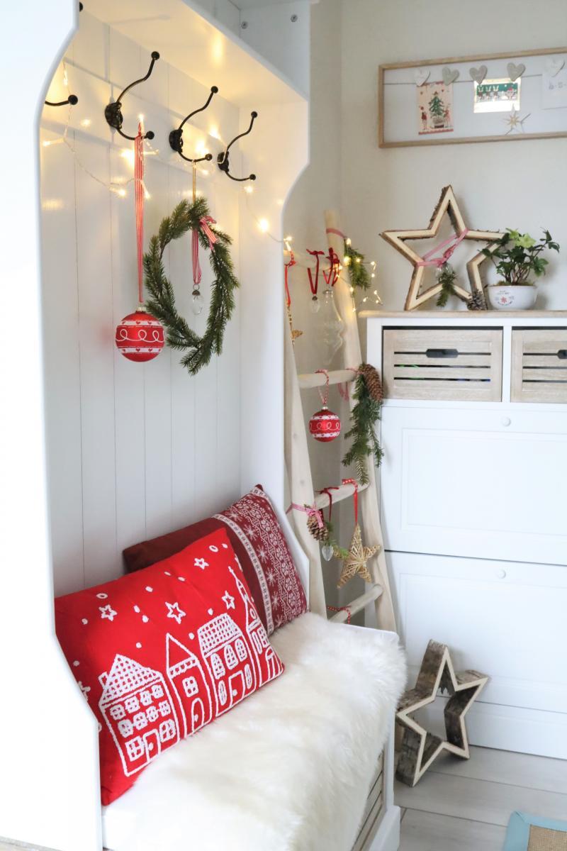 Es Weihnachtet Sehr Naturliche Weihnachtsdeko Aus Holz Schon Bei Dir By Depot