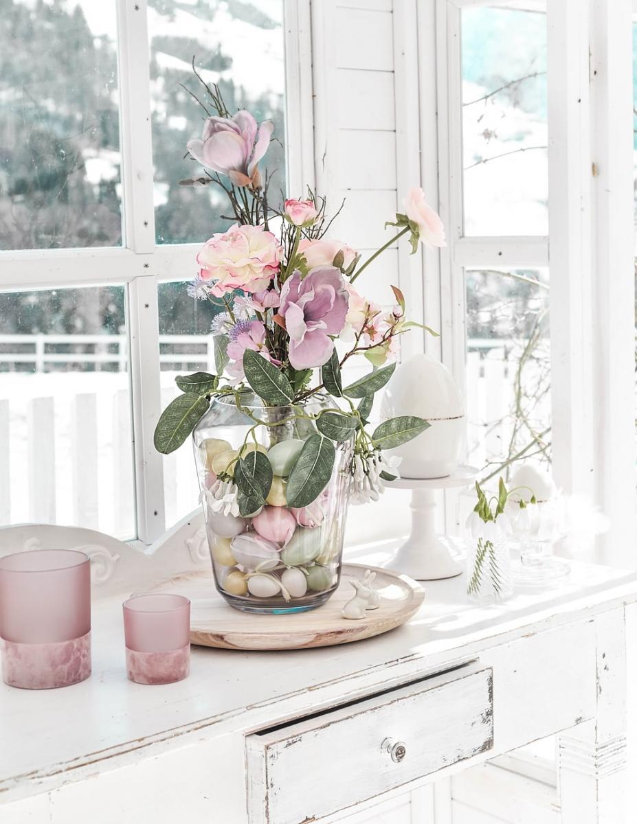 Ostereier in der Vase