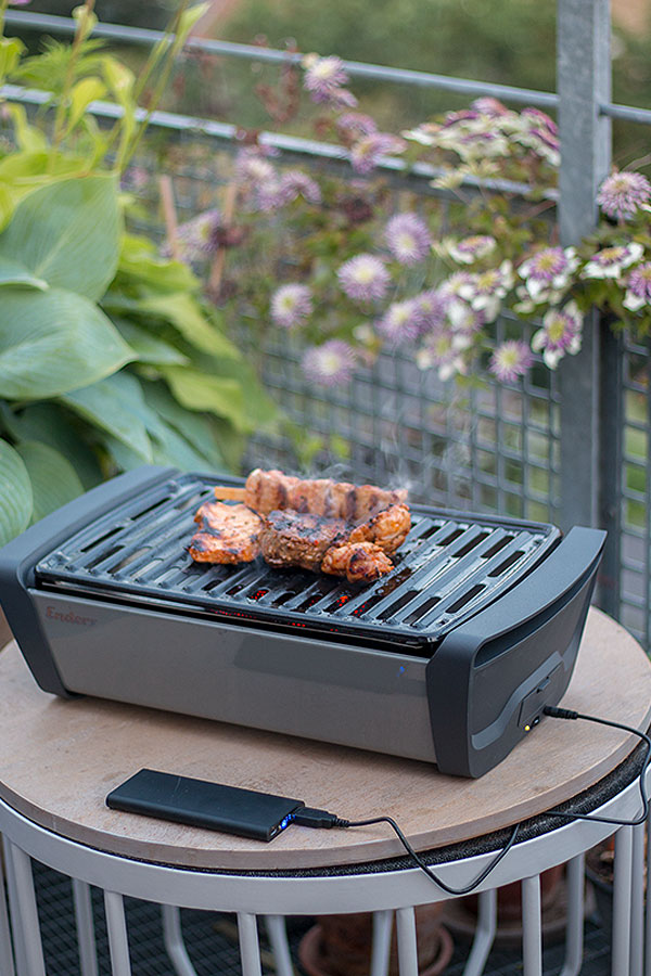 Holzkohle Tischgrill mit E-FAN-BBQ-Lüftertechnologie