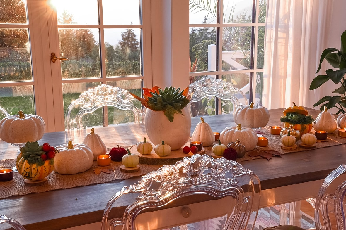 Herbstfeeling auf dem Tisch.