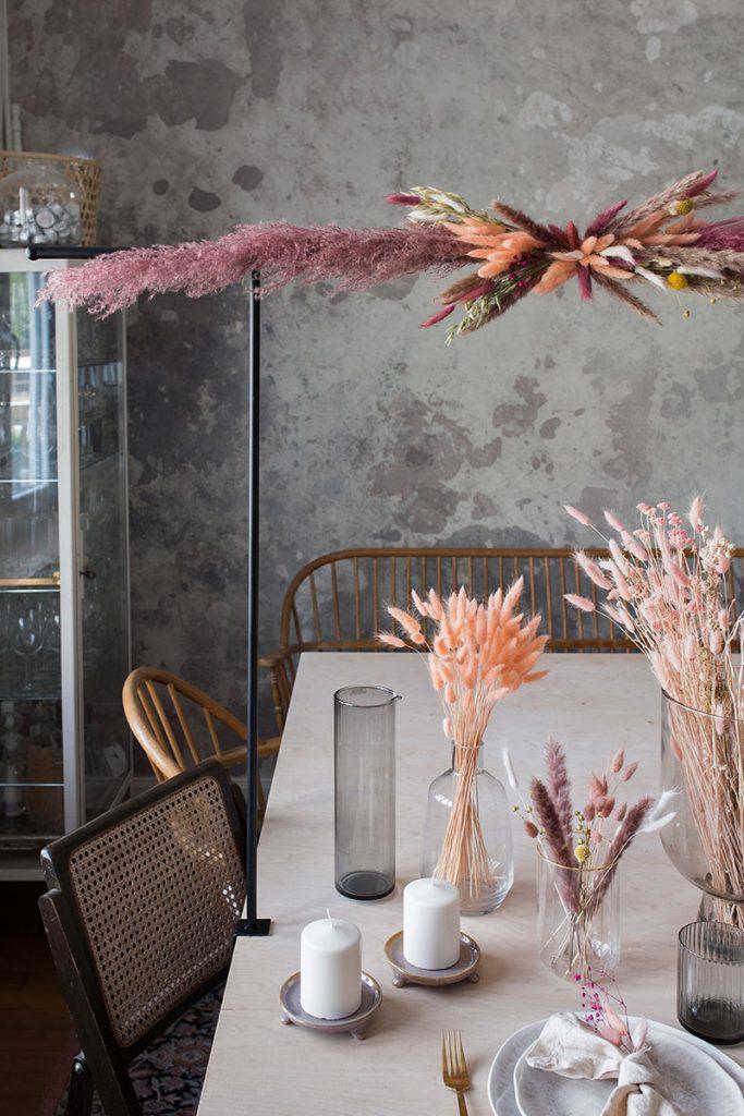 tischdekoration-mit-trockenblumen
