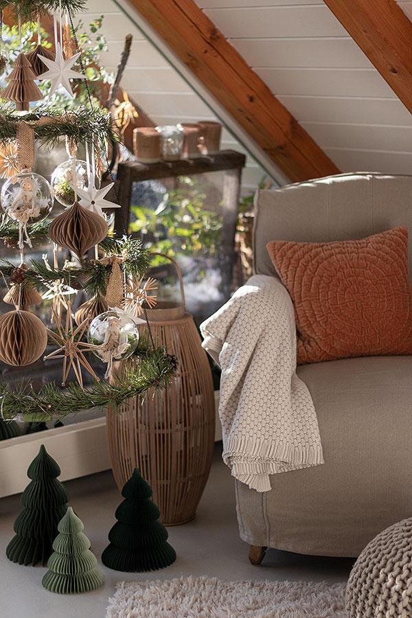 DIY Weihnachtsbaum sorgt für Gemütlichkeit