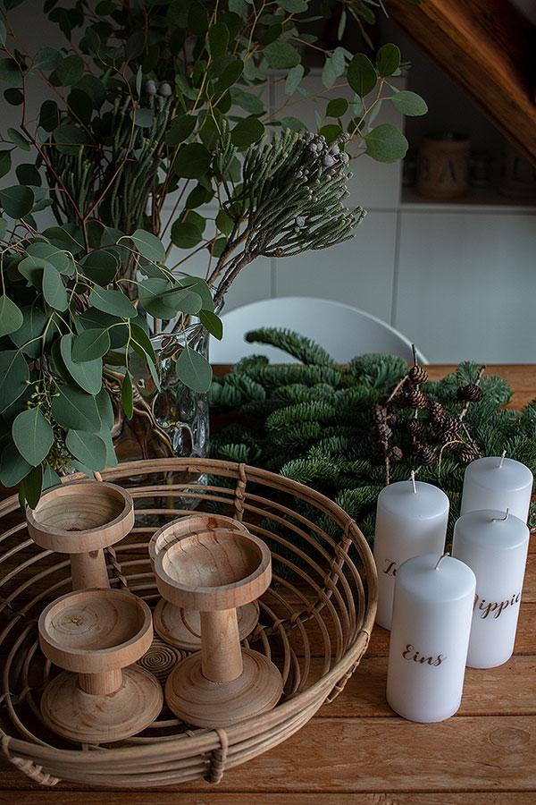Zubehör Adventskranz Korb mit Tanne und Eukalyptus