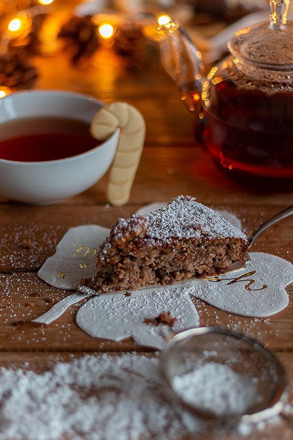 Nusskuchen aus der Weihnachtsbäckerei